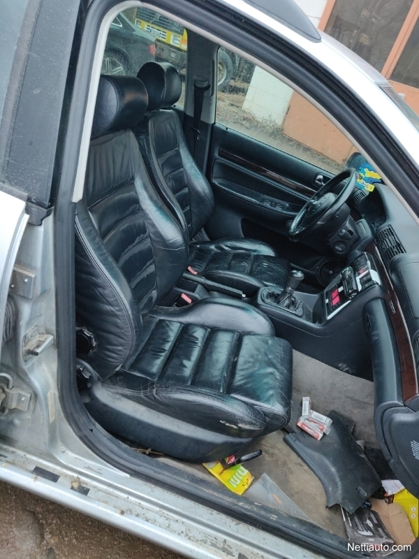 Audi A4 Polttimon Vaihto