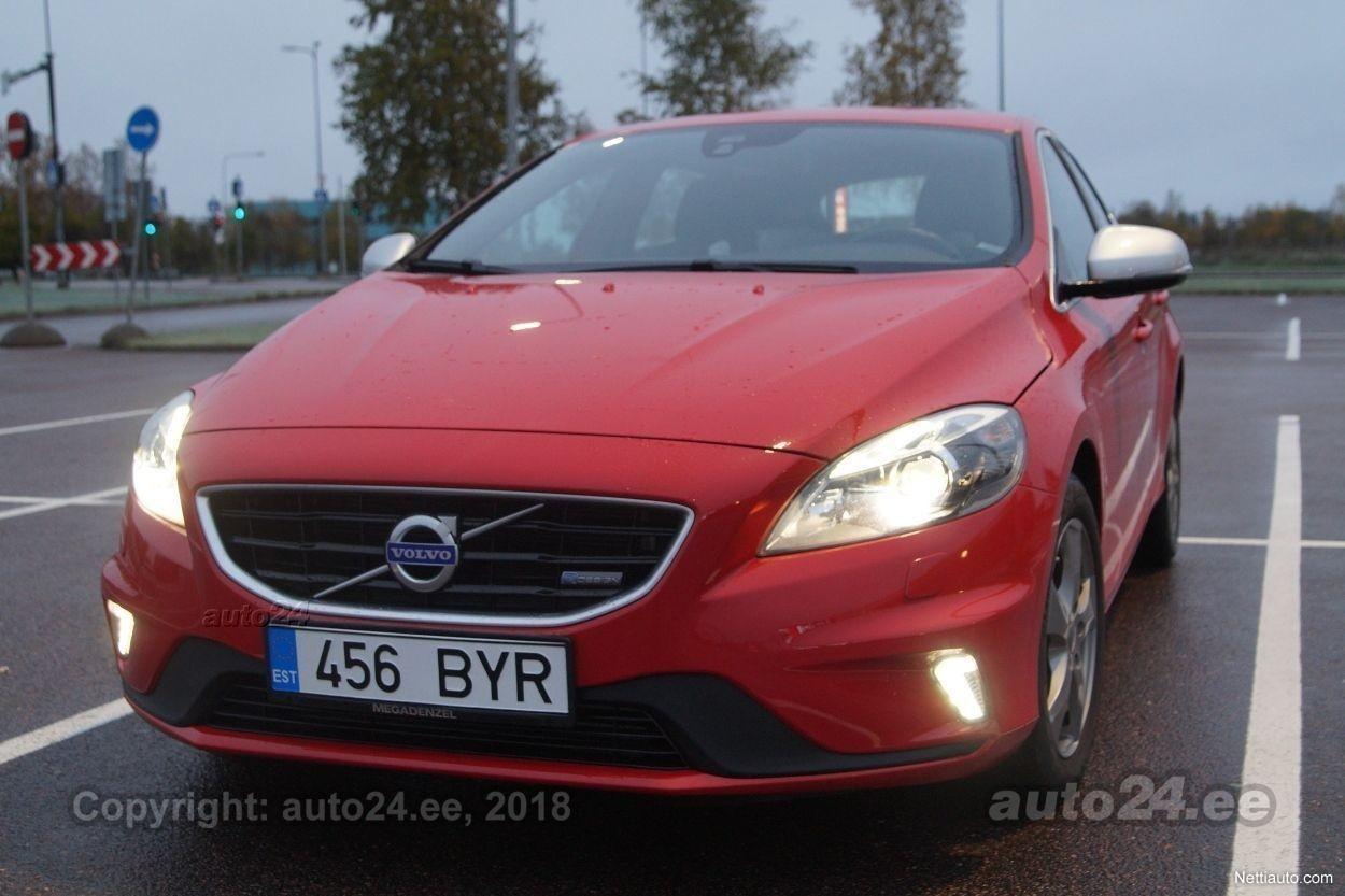 Enlarge image. Volvo V40