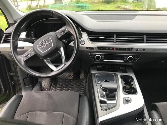 Audi Q7 Maastoauto