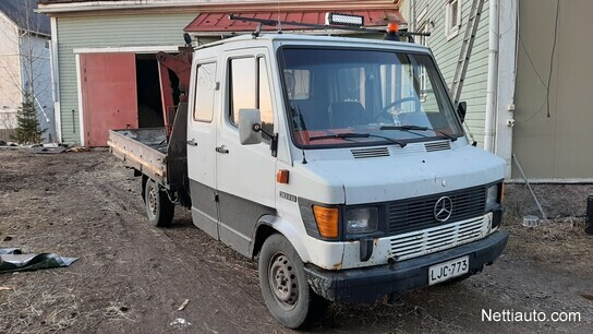Mercedes-Benz 307