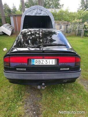 Renault Safrane Baccara V6 5d A Sininen metalliväri viistoperä henkilöauto Ei tieliikennekelpoinen