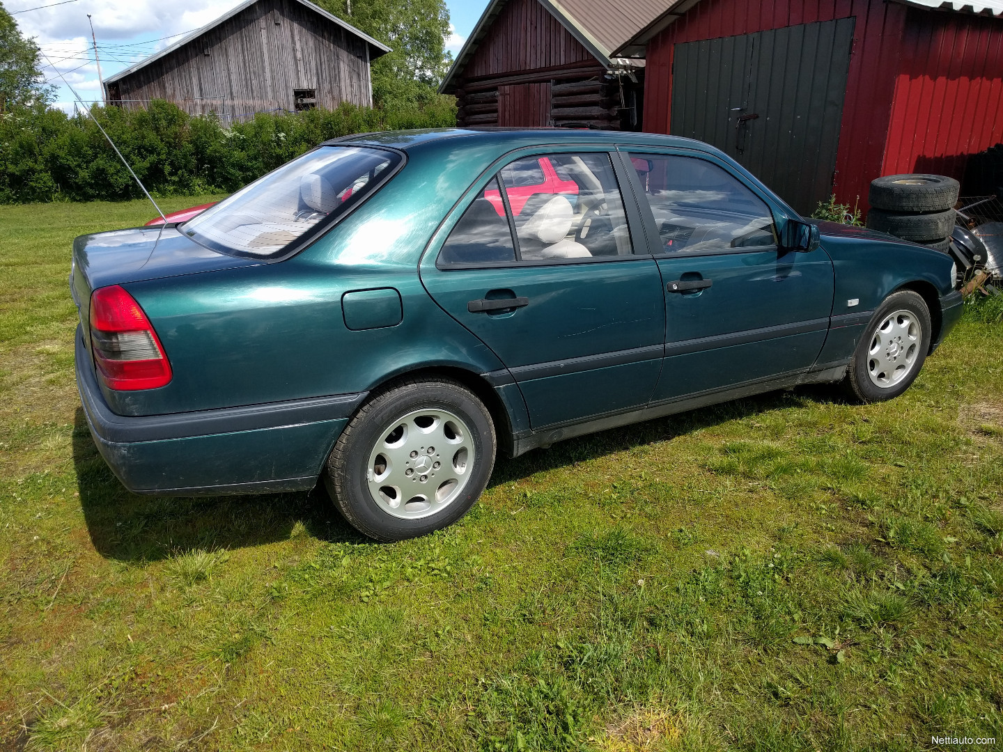 Mercedes benz c sedan 1995 used vehicle nettiauto for Mercedes benz remote start instructions