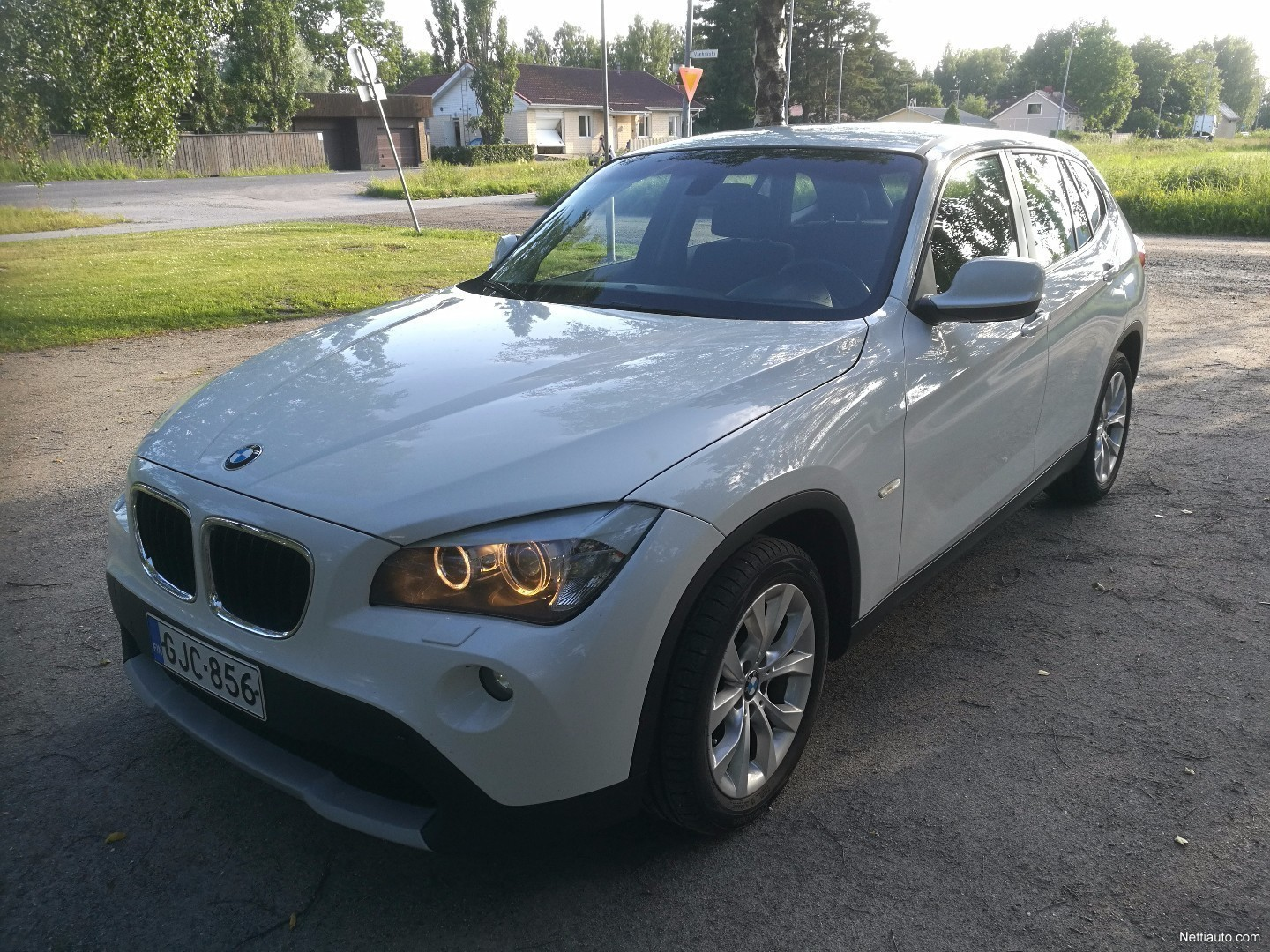 bmw x1 sdrive18d e84 sav business suomi auto professional navi urheiluistuimet xenon. Black Bedroom Furniture Sets. Home Design Ideas