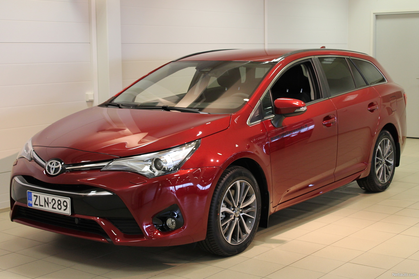 toyota avensis 2 0 d 4d active edition touring sports. Black Bedroom Furniture Sets. Home Design Ideas
