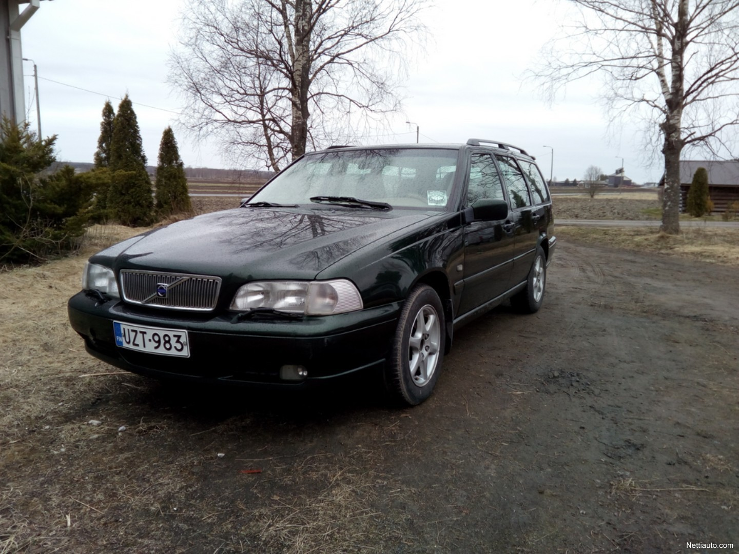 volvo v70 2 4 20 classic spw 125kw station wagon 2000. Black Bedroom Furniture Sets. Home Design Ideas