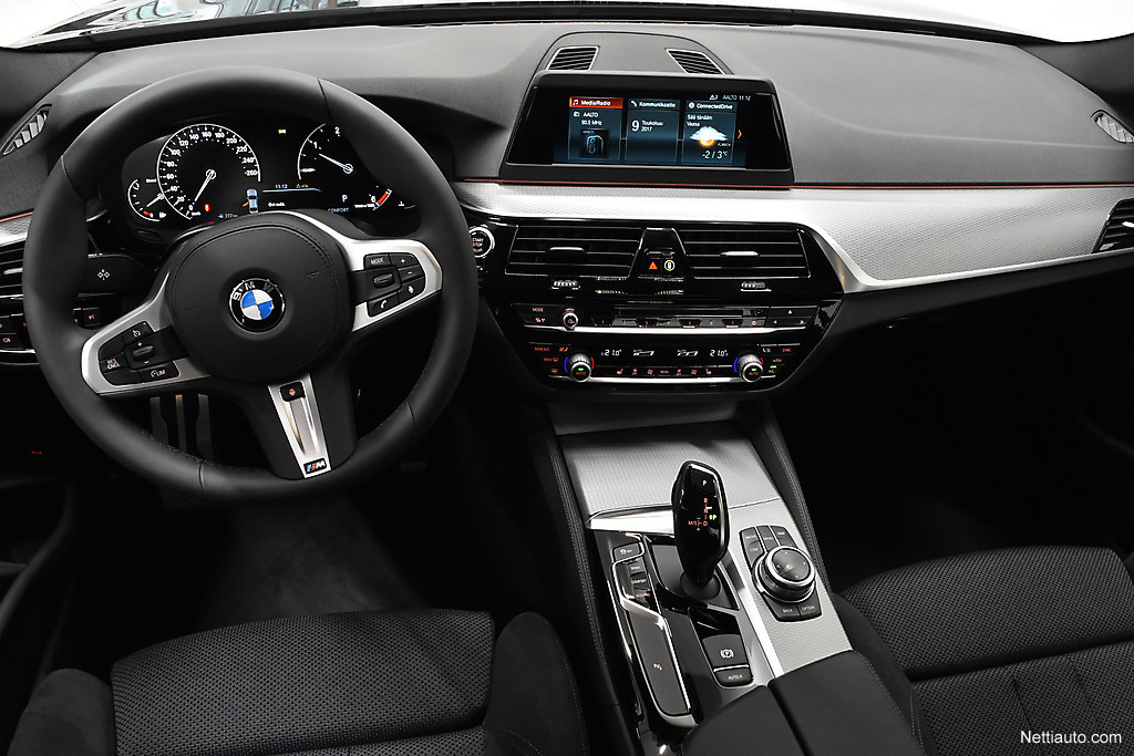 bmw 520 520d a xdrive business comfort m sport sedan 2017 used vehicle nettiauto. Black Bedroom Furniture Sets. Home Design Ideas