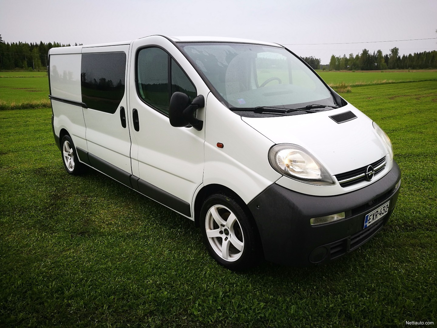 opel vivaro 2 5 cdti van l2h1 pitk long low 2006 used. Black Bedroom Furniture Sets. Home Design Ideas