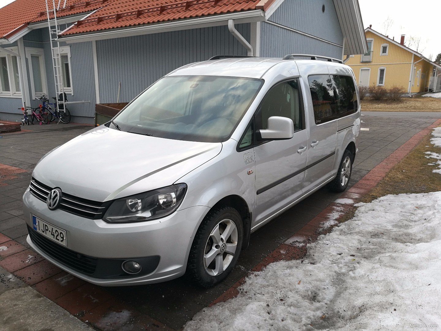 volkswagen caddy maxi comfortline 1 6 tdi 75 kw dsg mpv 2011 used vehicle nettiauto. Black Bedroom Furniture Sets. Home Design Ideas