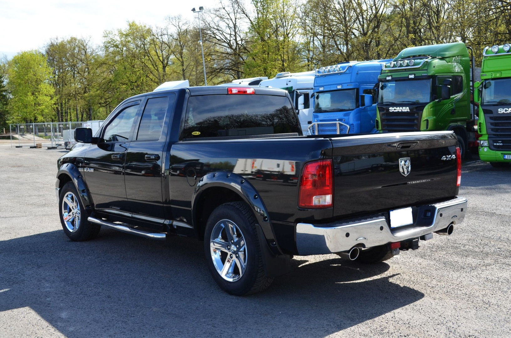 dodge ram 1500 5 7 hemi 4x4 4x4 2009 used vehicle. Black Bedroom Furniture Sets. Home Design Ideas