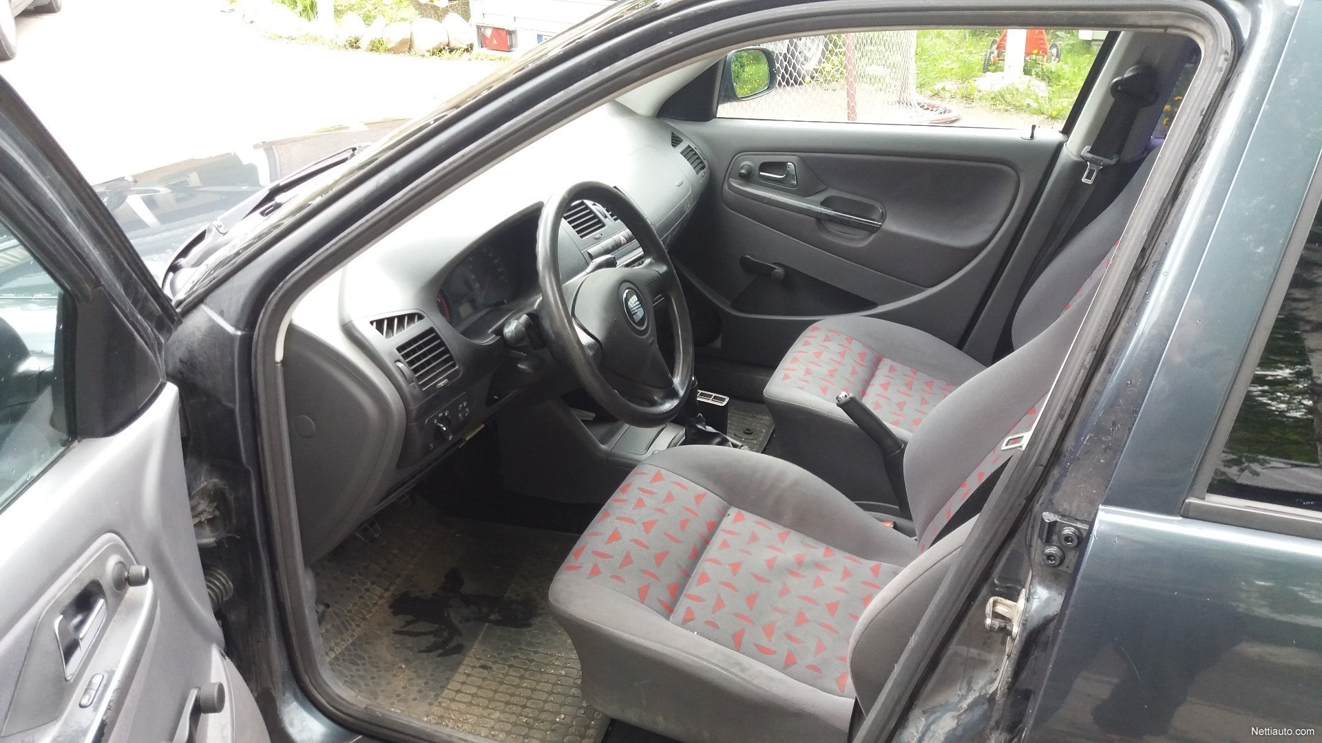 Seat cordoba station wagon 2001 used vehicle nettiauto for Seat cordoba interior