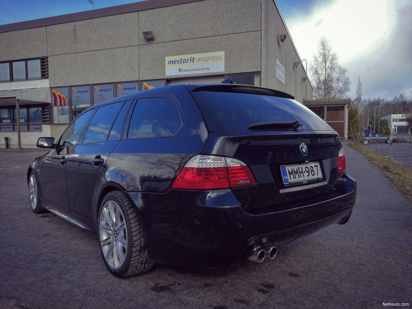 bmw 530 xd touring a lci m sport invidual station wagon. Black Bedroom Furniture Sets. Home Design Ideas