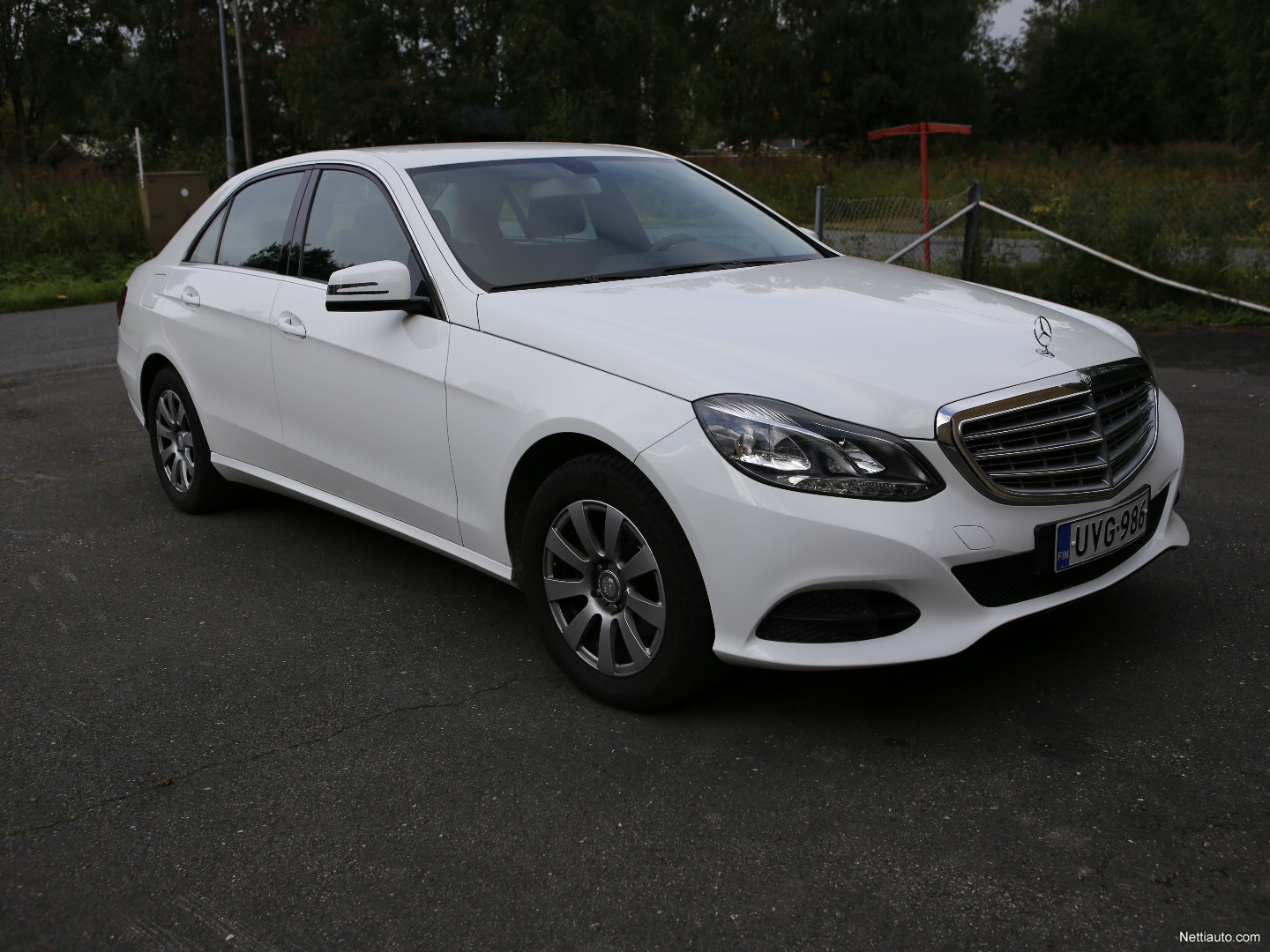 Mercedes benz e 200 cdi be a business my13 b sedan 2013 for Mercedes benz remote start instructions
