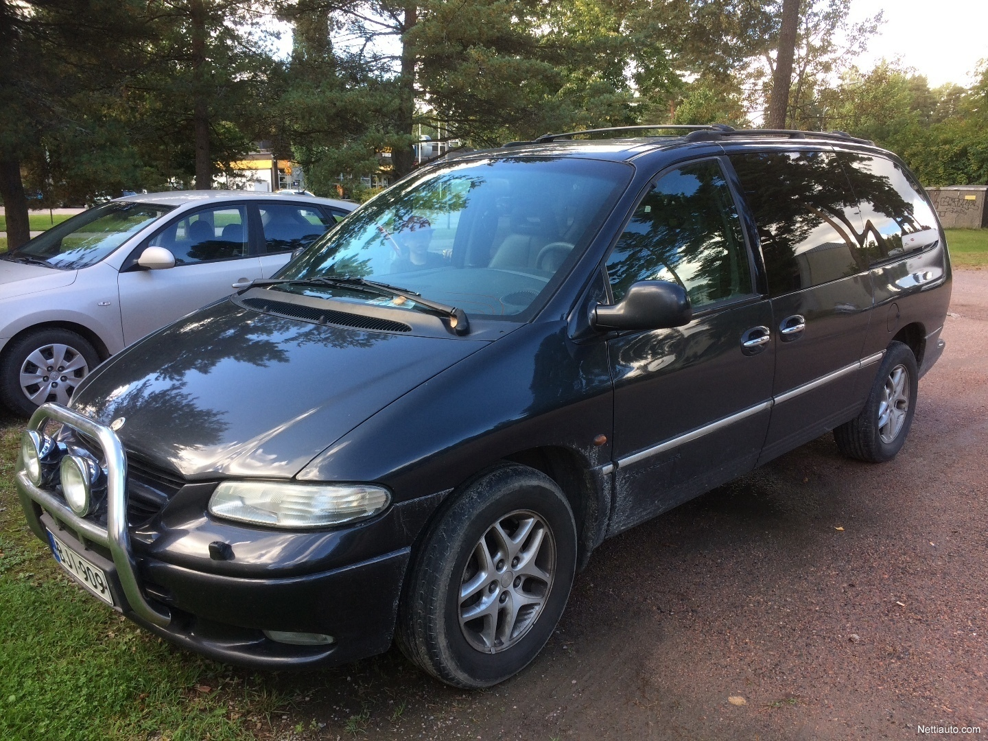 chrysler grand voyager mpv 2000 used vehicle nettiauto. Black Bedroom Furniture Sets. Home Design Ideas