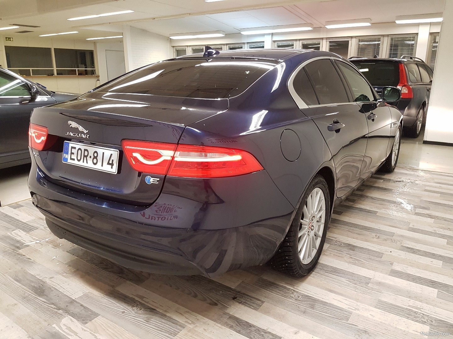 jaguar xe 20d prestige business aut sedan 2016 used vehicle nettiauto. Black Bedroom Furniture Sets. Home Design Ideas