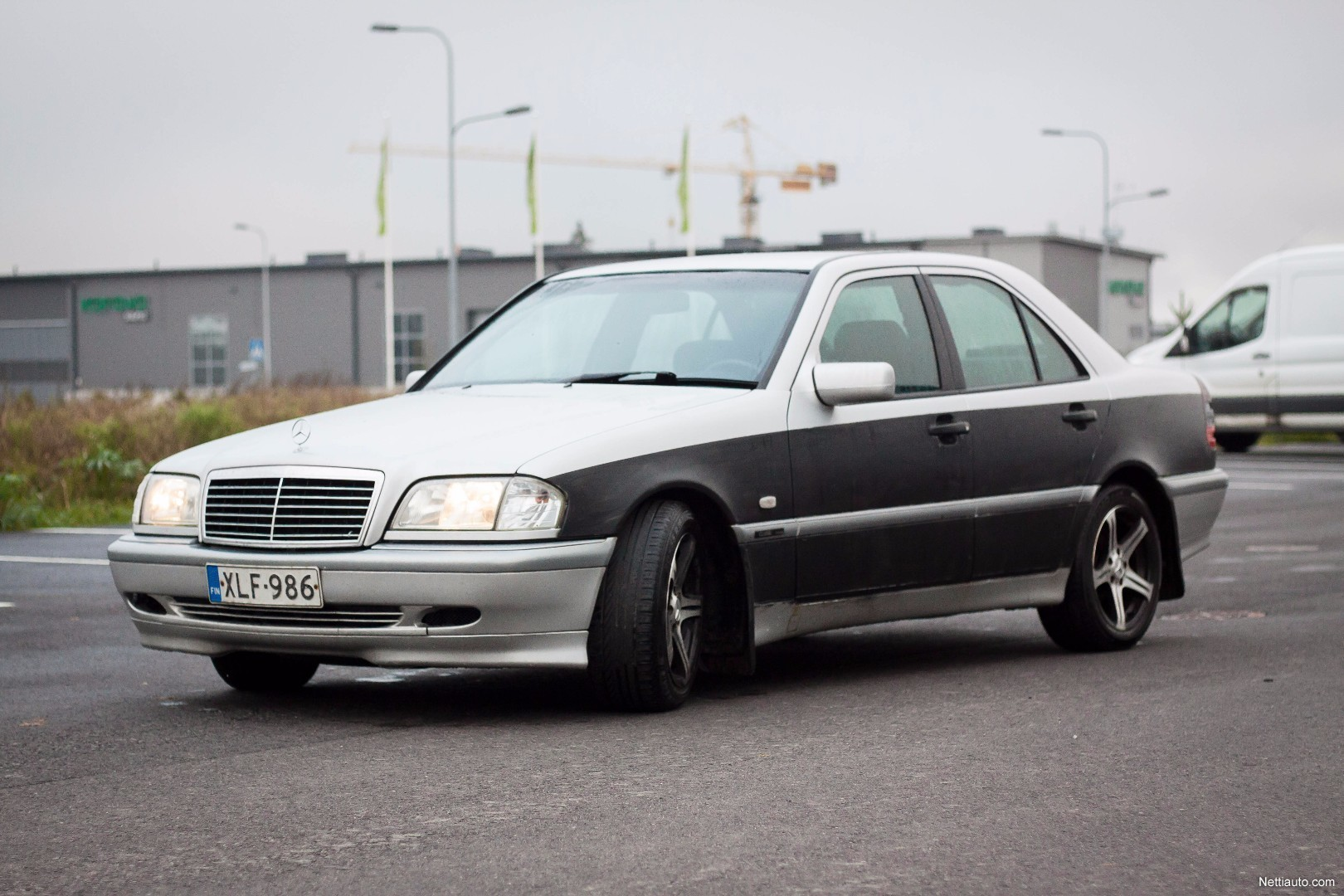 Mercedes benz c 220 cdi 4d a sedan 2000 used vehicle for Mercedes benz remote start instructions