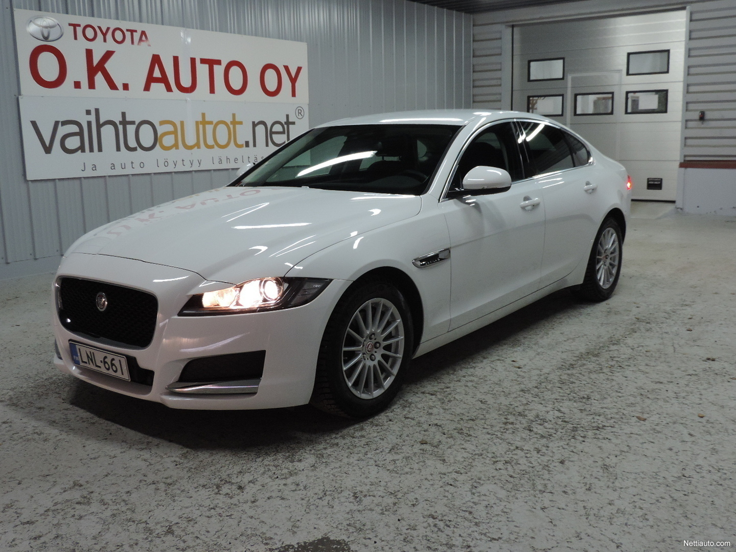 jaguar xf e performance pure a porrasper 2016 vaihtoauto nettiauto. Black Bedroom Furniture Sets. Home Design Ideas
