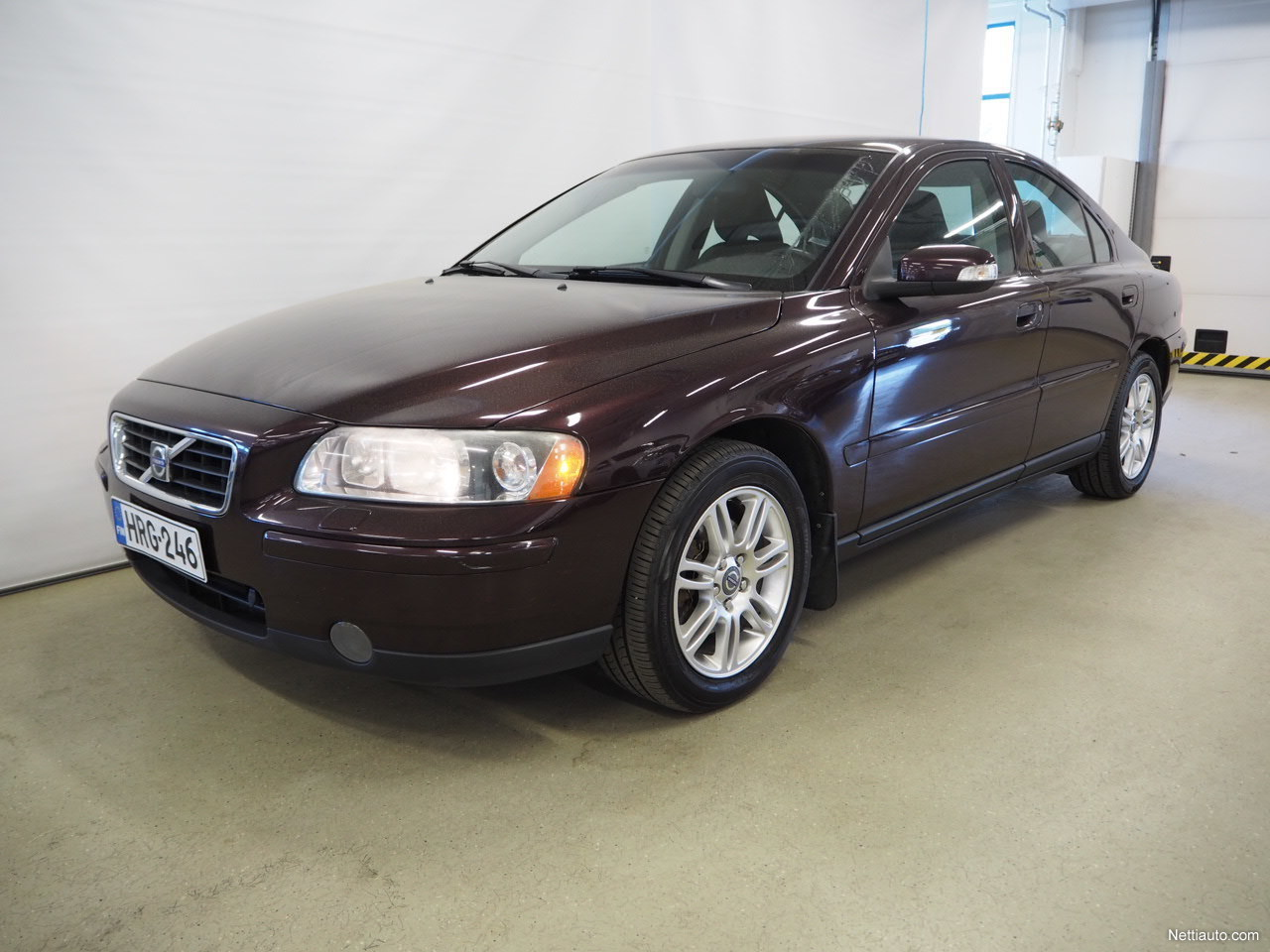 volvo s60 2 4 170 kinetic sedan 2007 used vehicle. Black Bedroom Furniture Sets. Home Design Ideas