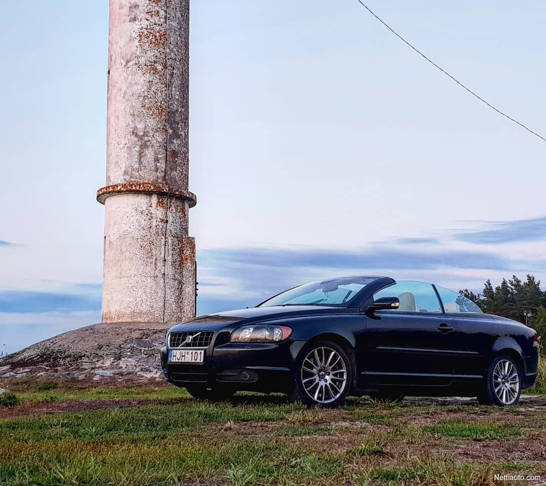 Enlarge image. Volvo C70