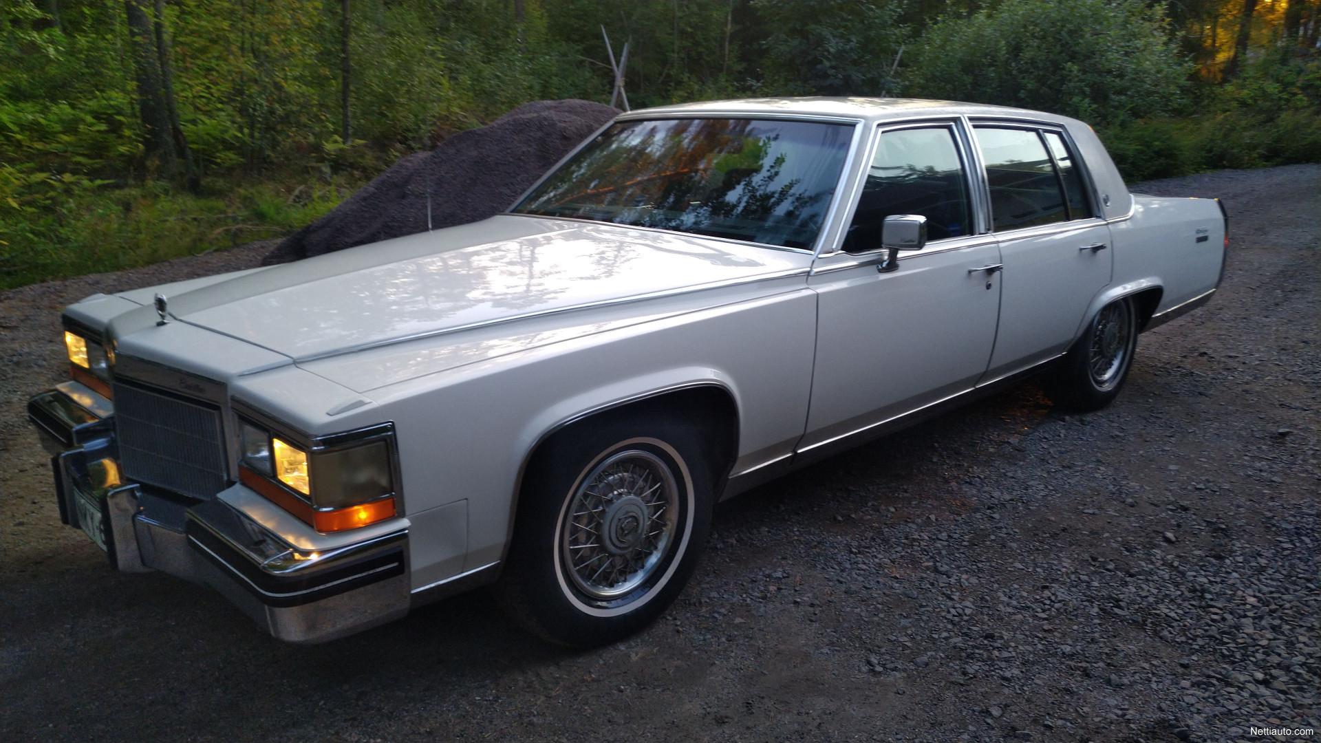 Cadillac Fleetwood Juuri Leimattu Vaihto Sedan 1982 Used Vehicle 1951 Previous Next