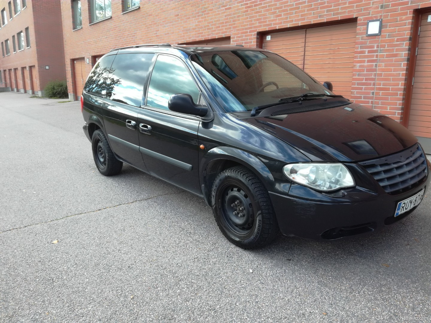 Chrysler Voyager 33 V6 Se Touring 5d 7h A Mpv 2005 Used Vehicle 1949 Town And Country Hubcaps Enlarge Image